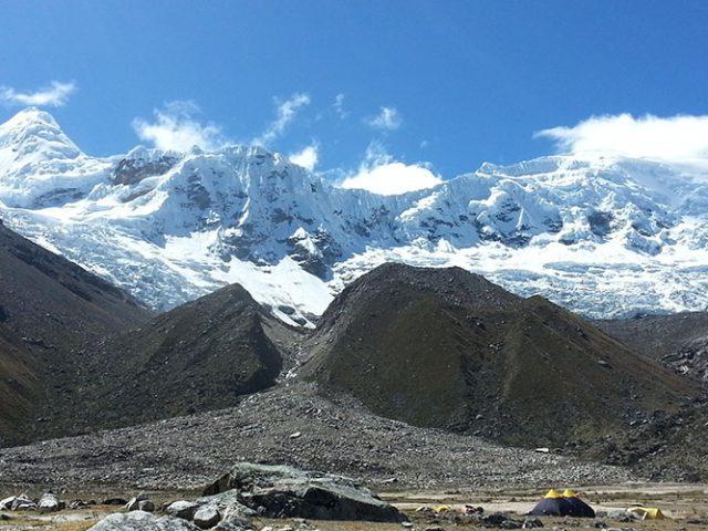 Climbing Urus (5497m – 18030ft)