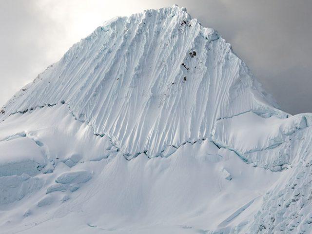 Climbing Alpamayo (5947m – 19506ft)