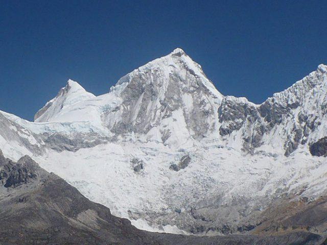 Climbing Yanapaccha (5460m – 17908ft)